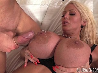 Curvy milf Alura Jenson receiving a stop-go slip with regard to their way clam