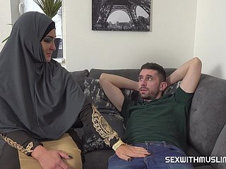 Muslim neonate Sofia wants his elephantine cock