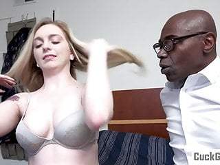 Skimp caught superior to before her Wife sucking a BBC