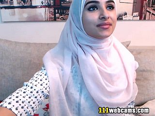 Amateur beautiful fat ass arab teen camgirl posing rise chum around with annoy webcam